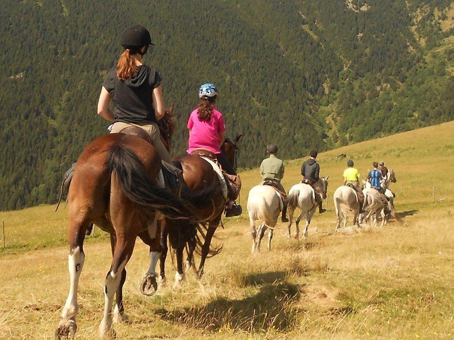 Hípiques per gaudir d'una escapada a cavall en plena natura