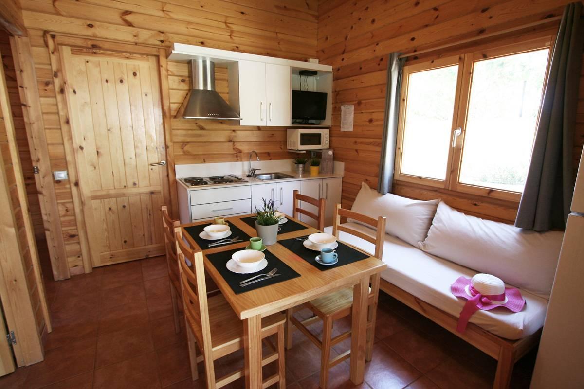 camping-joan-bungalow-costa-confort-pool-02